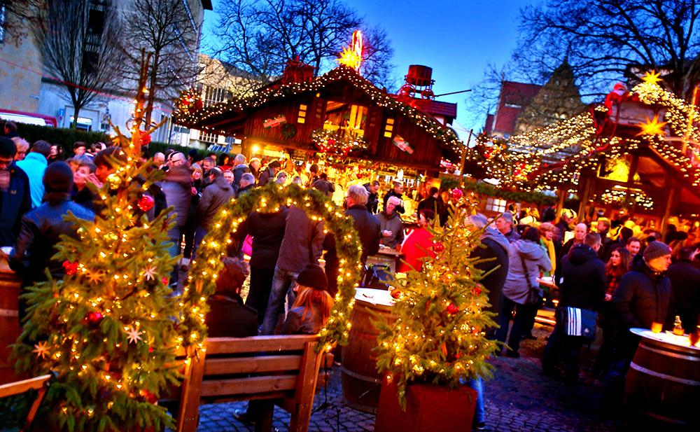 Altstaedter_Kichplatz_und_Park_0.jpg